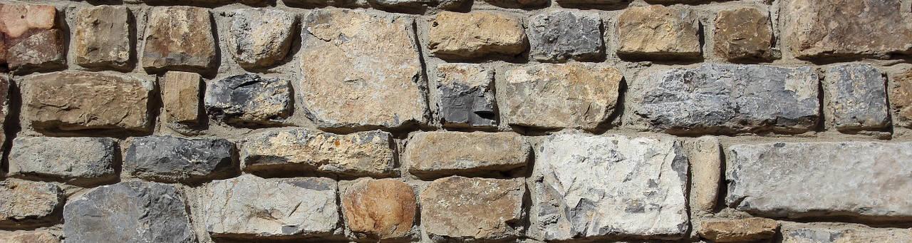 Finta pietra o pietra vera architettura a domicilio for Piastrelle finta pietra