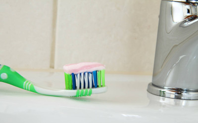 Arredo bagno: dove metto lo spazzolino da denti?