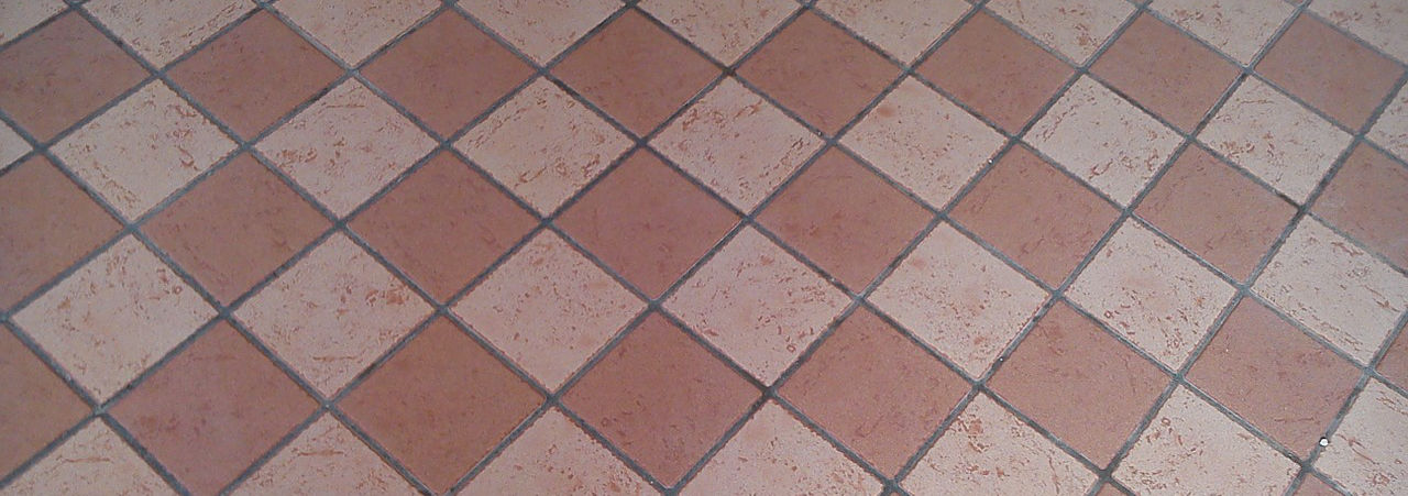 Pavimenti posa dritta o posa diagonale architettura a - Posa piastrelle in diagonale ...