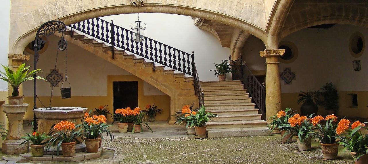 Sfruttare il sottoscala architettura a domicilio - Come arredare una scala interna ...