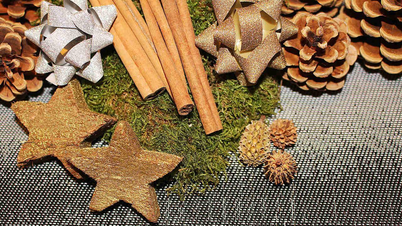 Decorazioni natalizie per ogni stile di casa architettura for Decorazioni da tavolo natalizie