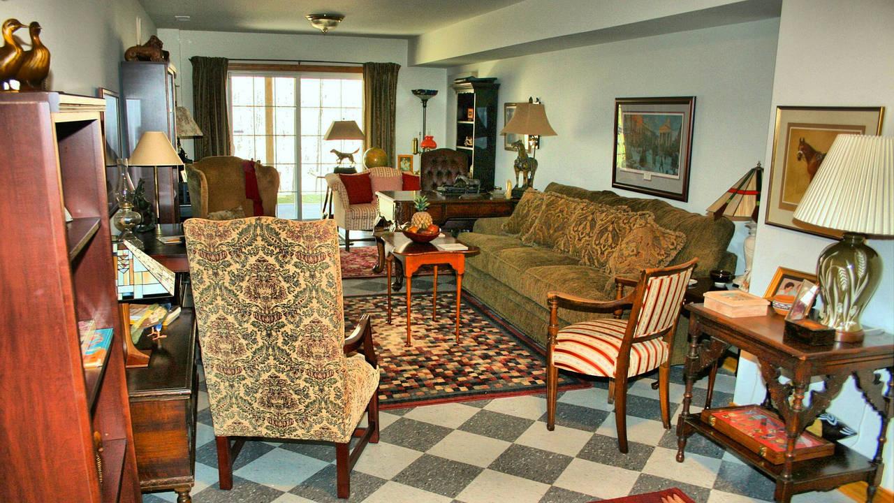 Troppi mobili in casa architettura a domicilio for Mobili casa online