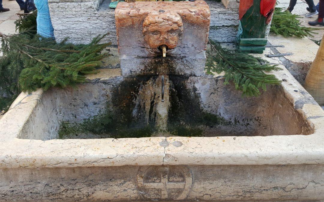 Fontana annessa alla Tribuna in Piazza Erbe